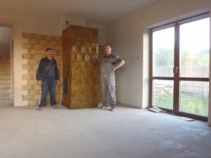 Piec kaflowy pokojowy z brązowych kafli wykonawca Firma ZDUNMAR Marcin Głogowski www.zdunmar.pl